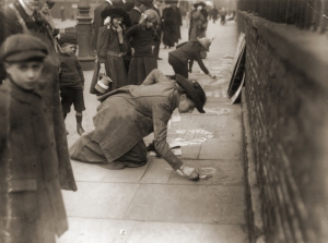 pavement-sufergette-12th-aug-1913
